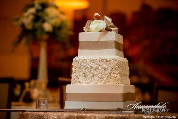 marquee-events-wedding-cake